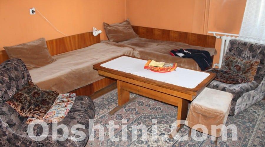 Изхвърляне на стари мебели в Община София