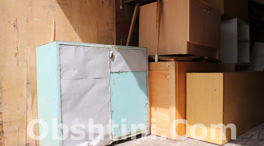 Извозване на стари мебели в Бургас
